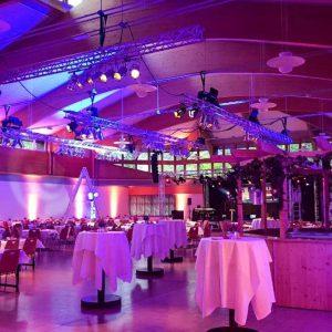 Lichttechnik in einer Halle